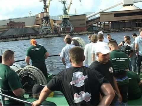 Смотреть видео Чемпионат силачей Латвии в Вентспилсе