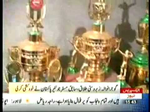 Gujranwala Ex Mr Jounir Pakistan Sucied 23 August 2011 - YouTube.FLV