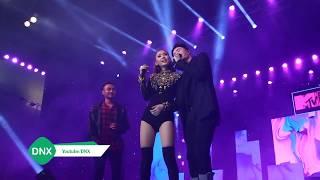 Trịnh Thăng Bình và Minh Hằng hôn nhau trước hàng ngàn khán giả | DNX
