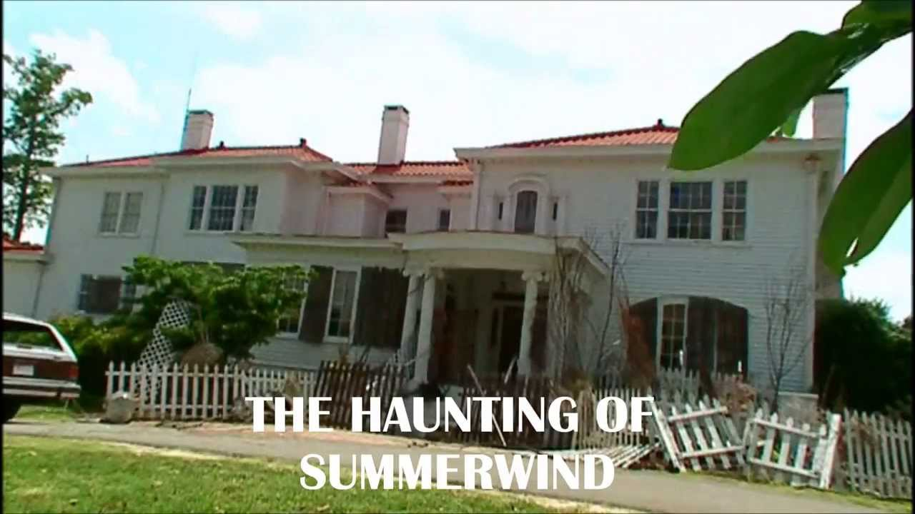 Haunting: The H... Inside Mansion House