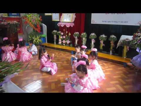 Múa hát chào mừng ngày nhà giáo Việt Nam 20/11/2013 - Lớp A3 trường Mầm Non B