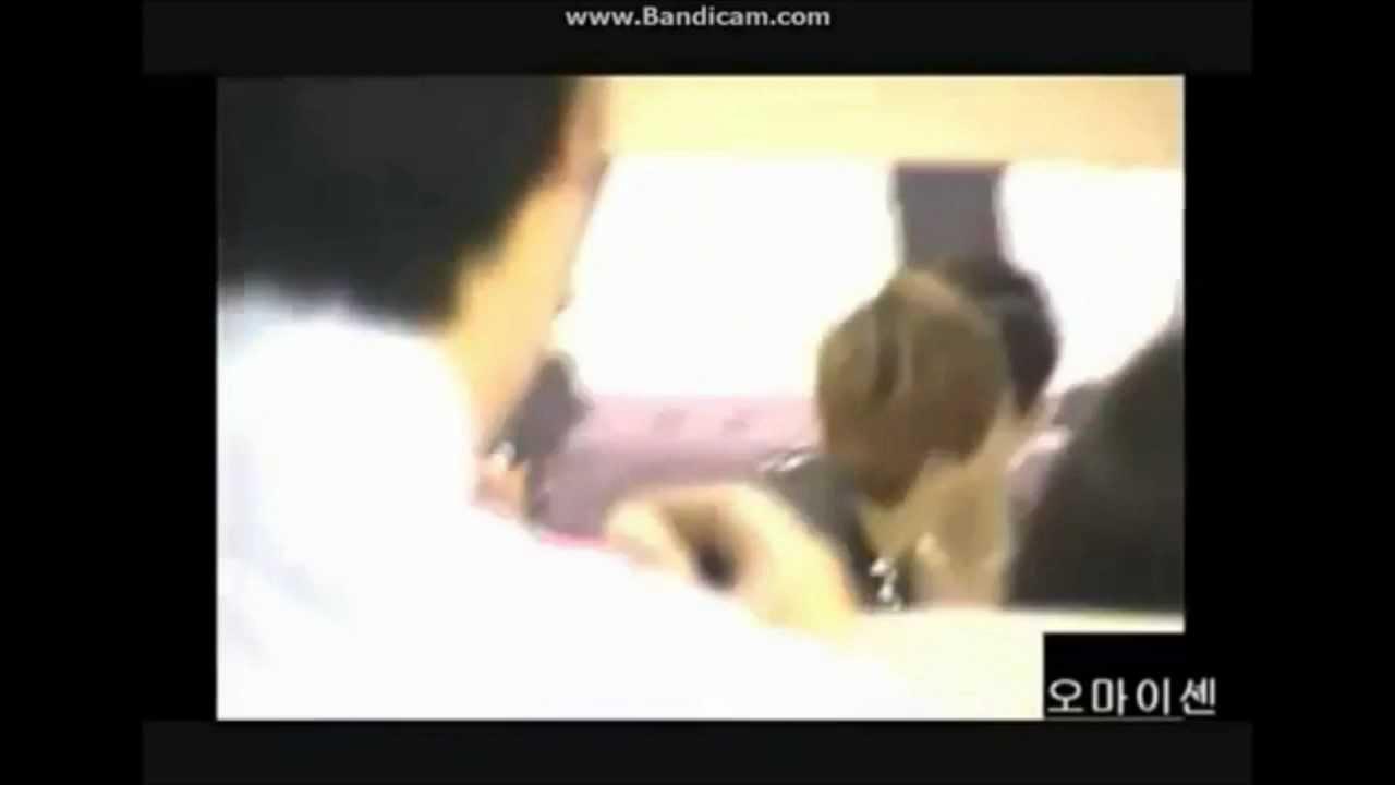 Baekhyun and Chanyeol Kiss? - YouTube