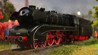 Modellbahn Dampflokomotive BR 10 002 der Deutschen Bundesbahn