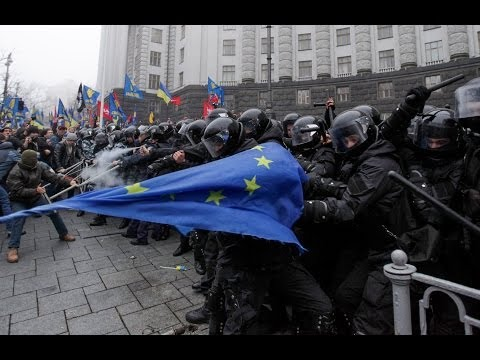Ukraine: Protesters take to the streets to push government for EU deal - no comment