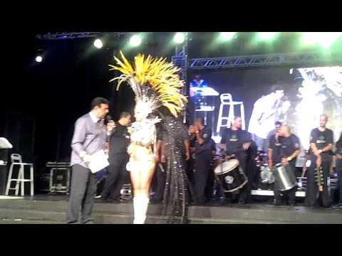 Corte do Carnaval 2015 - Rio de Janeiro - Candidata 1 - Posto de Rainha: Camila Macedo