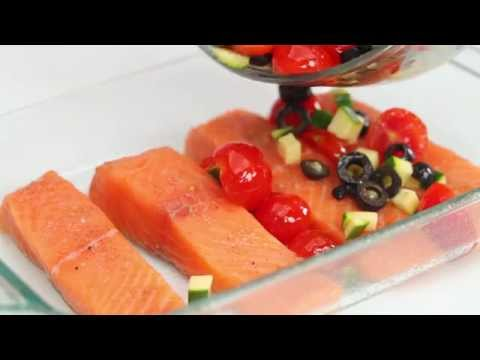 Healthy Recipe: Mediterranean Salmon With Tomatoes, Olives, and Zucchini