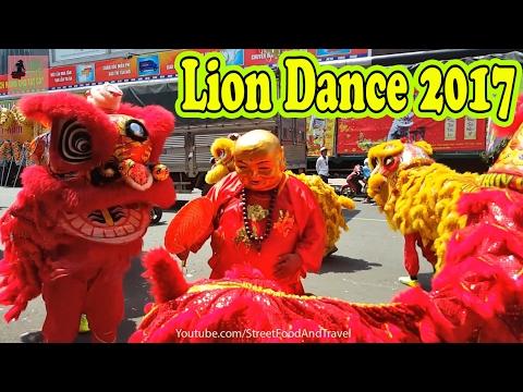 Lion Dance Lantern Festival Binh Duong city Vietnam 2017 - Mua Lan Binh Duong