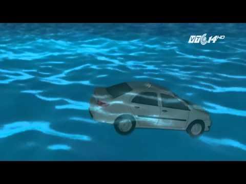 (VTC14)_Thoát thân khi xe ô tô rơi xuống nước
