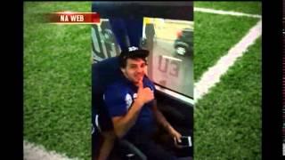 Nilton filma �nibus do Cruzeiro indo para o Mineir�o
