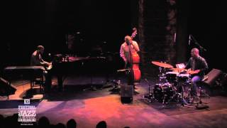 Robert Glasper Trio - Concert 2010