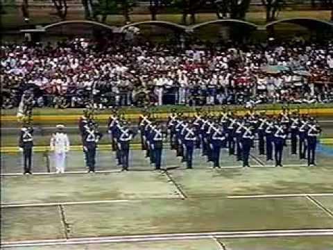 LEGADO DEL CMDTE. Llegada de Chávez al del Desfile Militar 4-FEB-1999