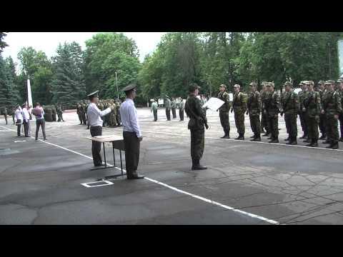image vidéo Mauvaise surprise dans une cérémonie militaire russe