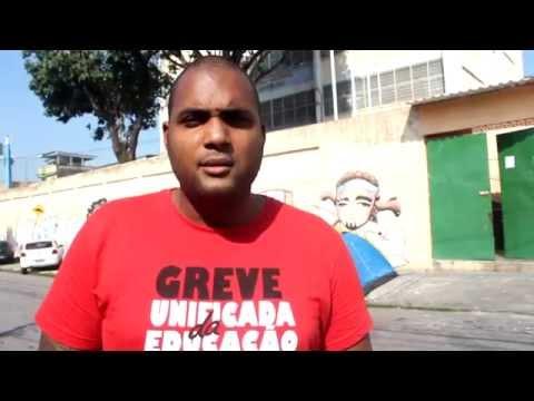 Educador do RJ acampa na frente de Escola por conta de corte de salário.