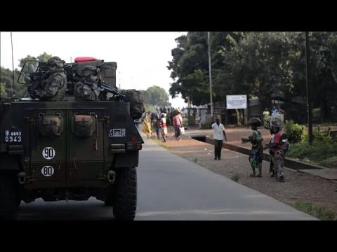 French troops deploy in C. African Republic to disarm fighters