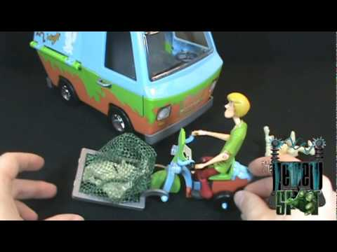 Spooky Spot  - Scooby Doo Mystery Machine Ghost Patrol, On today's Spot, we'll be having a look at the Scooby Doo Mystery Machine Ghost Patrol You can now follow the Review Spot on Twitter at http://twitter.com/Th...