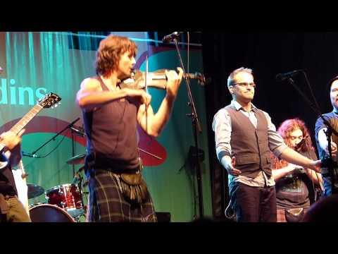 Medley Hits, Scène Desjardins, Panasonic FZ150, Montréal, 9 juin 2012