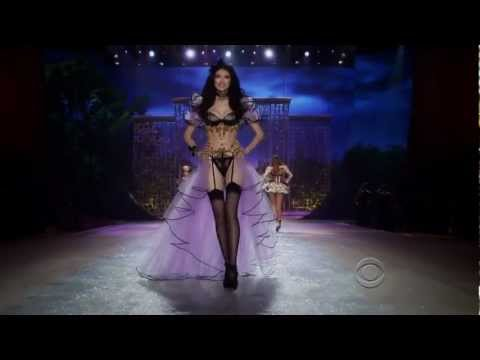 Rihanna - Diamonds Live Victoria Secret Fashion Show 2012