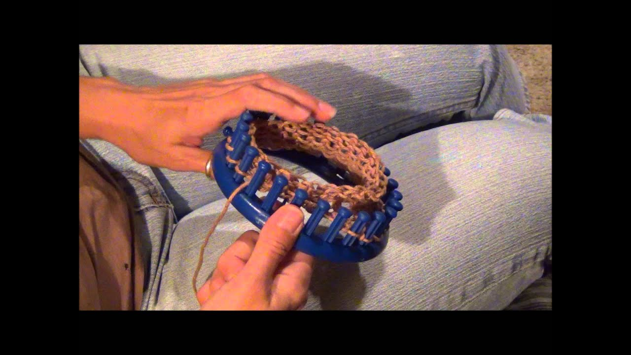 gathered cast off or bind off on a round knifty knitter knitting loom youtube. Black Bedroom Furniture Sets. Home Design Ideas
