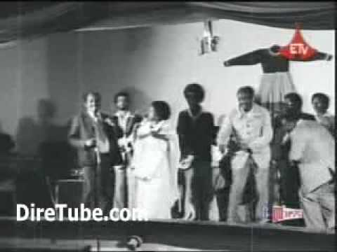 Group of Artists Dancing - A MUST SEE Oldies video