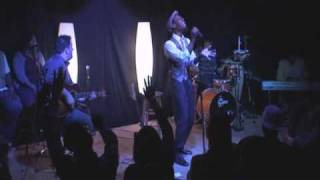 "Mali Music sings ""Glory to the Lamb"" Unplugged"