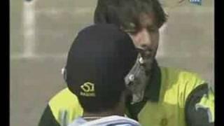 Fight Btw Gambhir & Shahid Afridi PAKISTAN VS INDIA 3RD