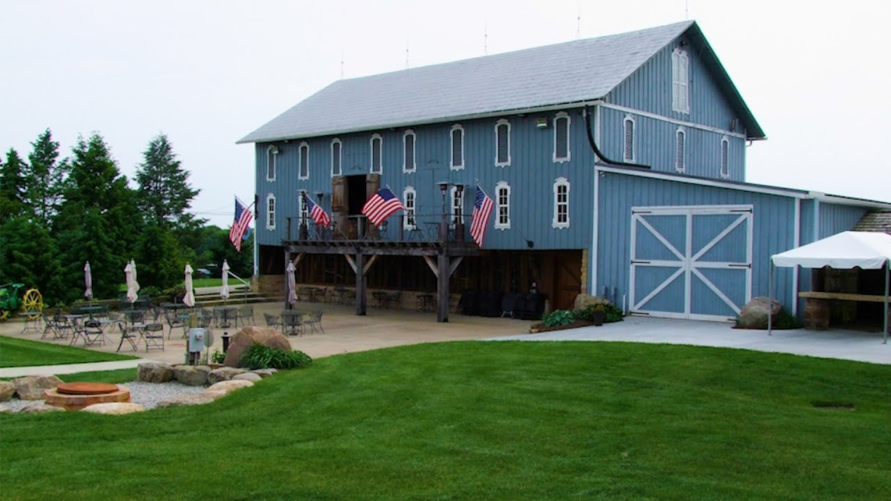 31179Featured Segment – Blue Barn Winery