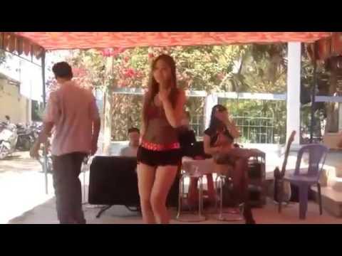 Clip Cận Cảnh Cụ Ông Nhảy cùng girl xinh Nhạc Sàn Đám Cưới Cực Phê