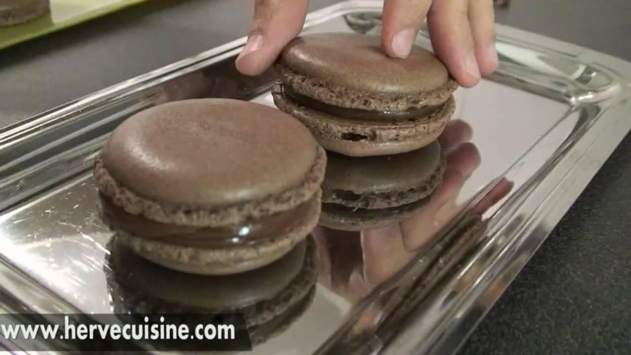 Recette facile des macarons au chocolat par hervecuisine - Youtube herve cuisine ...