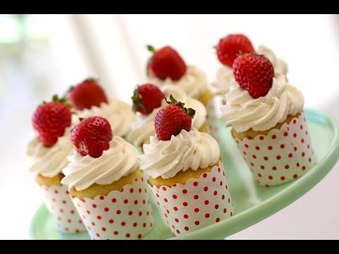 Beth's Strawberry Shortcake Cupcakes (EASTER DESSERTS COLLAB)