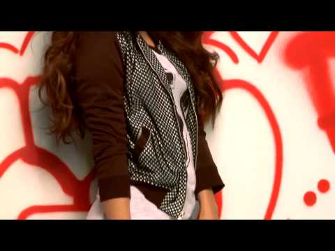 Vanessa Hudgens -    Bongo Jeans Photoshoot ( Behind The Scenes)