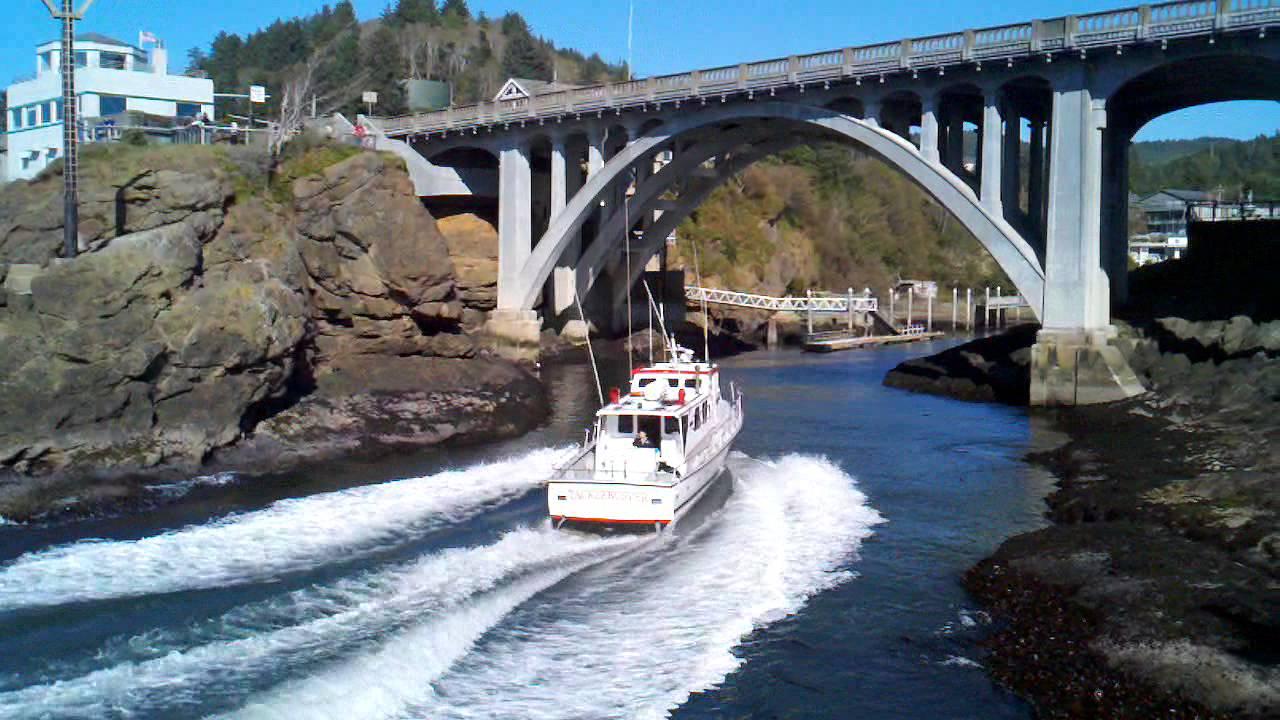 Depoe bay charter boat youtube for Depoe bay fishing charters