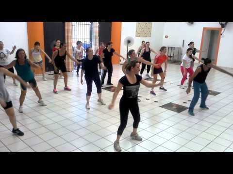 Zumba - Largadinho (Cláudia Leitte) - Escola de Dança Raquel Elem
