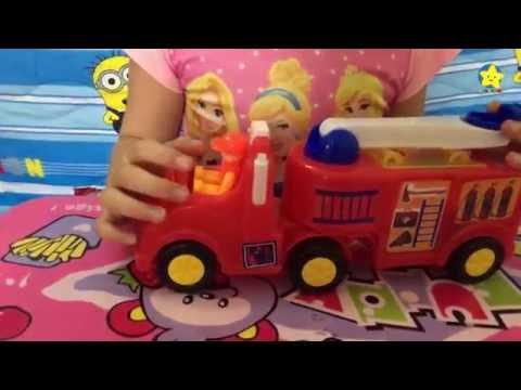 Chơi đồ chơi xe cứu hoả - xe chữa cháy thang cẩu cứu hộ cứu nạn * Ngôi Sao Nhỏ TV *