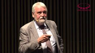 John MacBeath -- Col·laborar, innovar i liderar. El futur de la professió docent (resum)