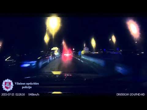 """Kelių patrulių rinktinės pareigūnams įkliuvo penkiolikmetis automobilio """"Audi 80"""" vairuotojas"""