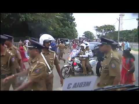 Protests meet David Cameron in Sri Lanka - video