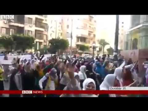BBC News   Women pro Morsi protesters freed in Egypt