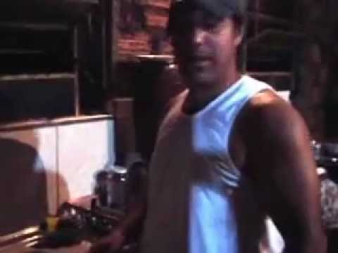Tio Rogério lavando panelas!!!!