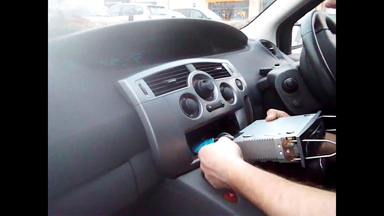 Radio Removal Renault Scenic  2003