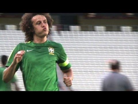 PSG anuncia acordo para contratação de David Luiz