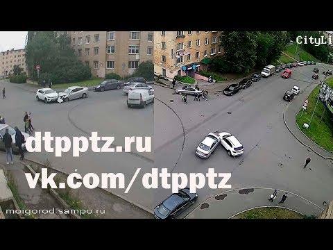 На улице Анохина столкнулись два легковых автомобиля