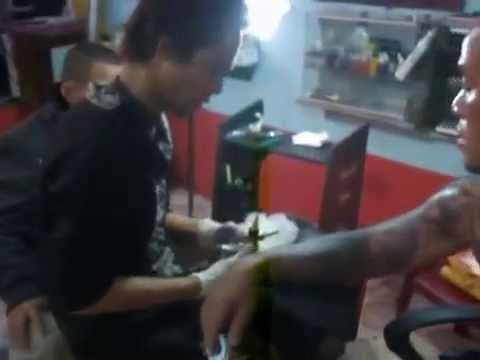 Phượng tay áo được nghệ sĩ của những hình xăm đỉnh THANHBINH-cẩm phả