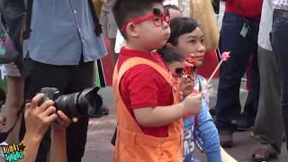 [8VBIZ] - Chết cười với Ku Tin trong buổi ra mắt chim điên Angry Birds