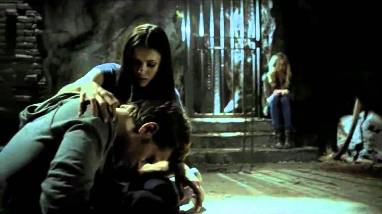 Damon y elena cronicas vampiricas 2x05 espa ol youtube for Damon y elena