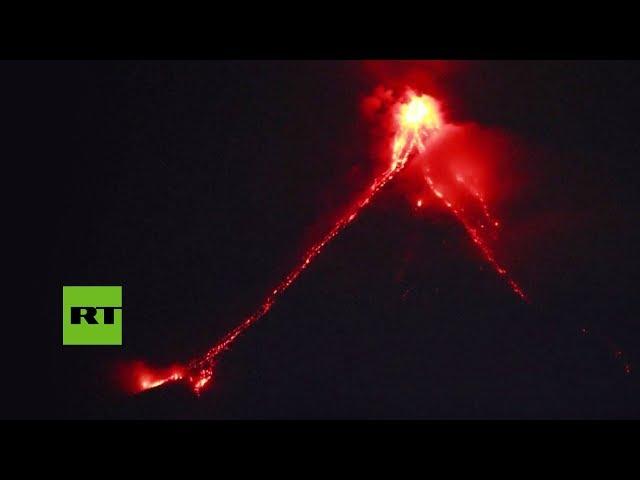 VIRAL: La lava desciende del volcán Mayón en Filipinas