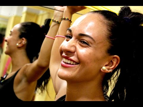 Zumba Fitness Lezioni in italiano per imparare - Esercizi per allenamento completo a casa gratis