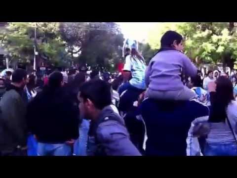 Festejo en Mendoza p el partido Argentina 3 Nigeria 2