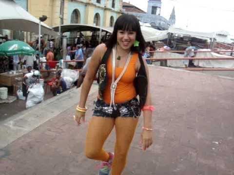 ARTISTA DE RUA_HANNA MONTANA DA BANDA GERAÇÃO ELETRIZANTE_91-92104986