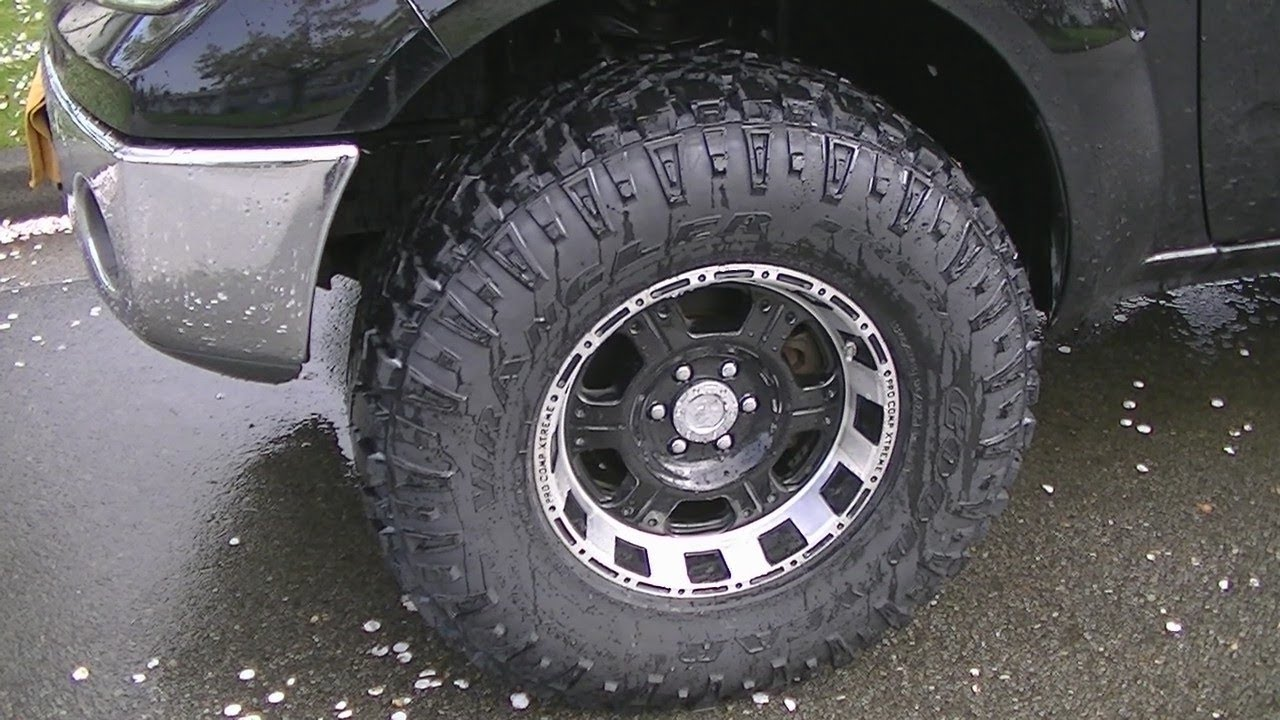 Nissan Frontier With 33 Inch Tires - YouTube