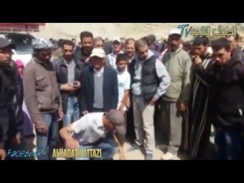 بالفيديو: احتجاجات ومحاصرة سيارة قائد متهم بدهس فلاح